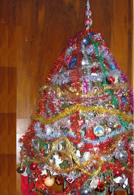 Christmas tree prices ARE going through the roof but this ... |Worlds Ugliest Tree